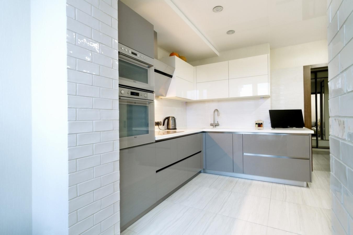 Кухня на заказ Модель 411 фотография