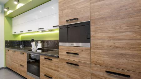 Кварцевая столешница в кухне Аполоний
