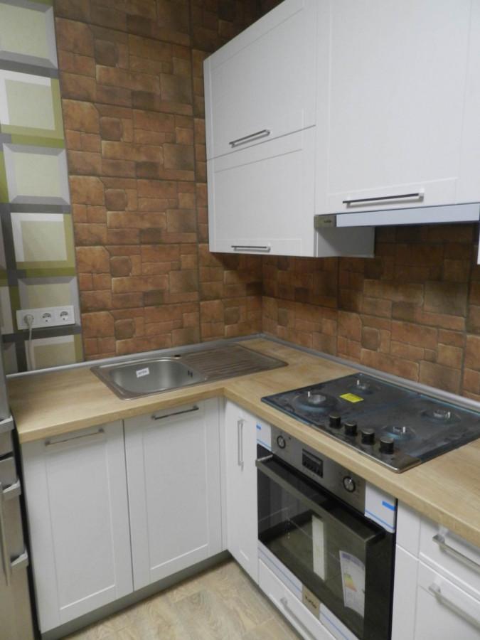 Кухня на заказ белый Платан фотография