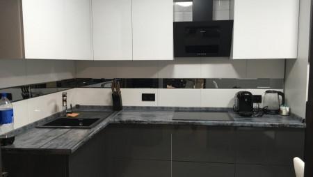 Кухня квадратной формы Дармбах