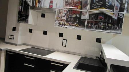 Кухня с барной стойкой на заказ Нью-Йорк