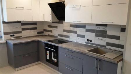 Кухня серого цвета Шахмира