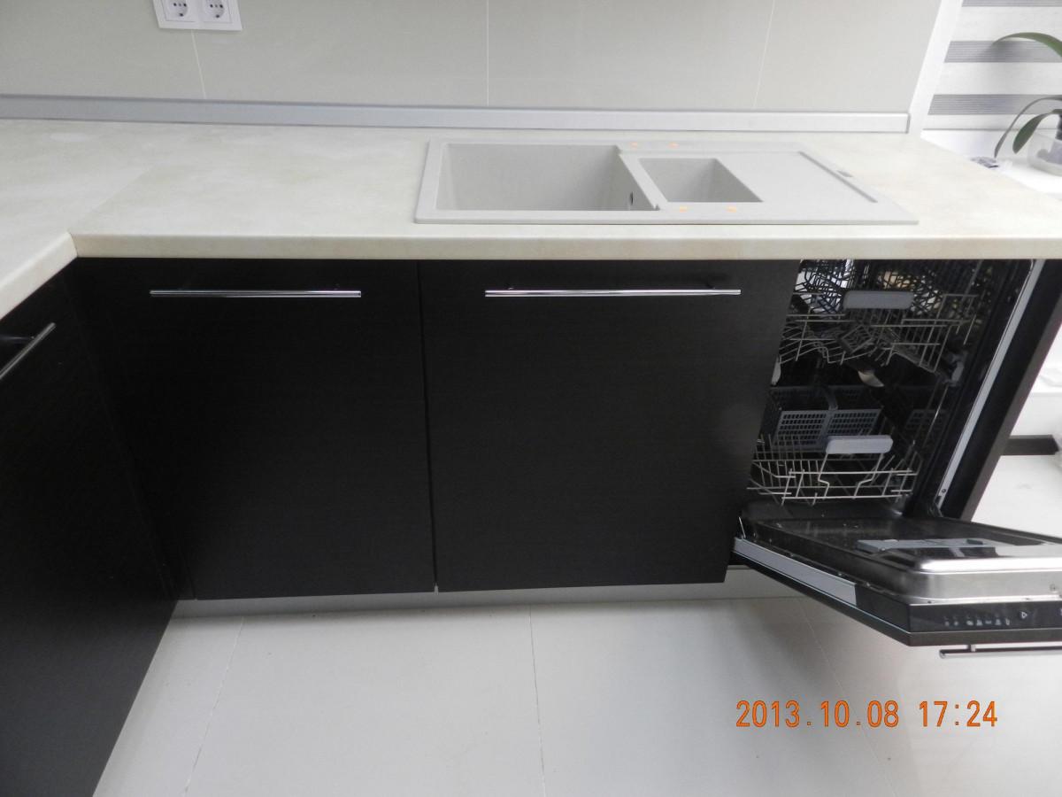 Кухня на заказ Венге 2 фотография